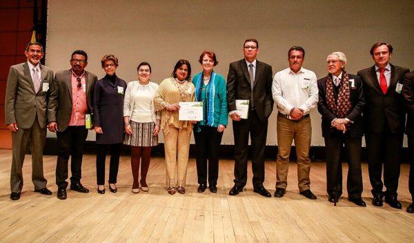 Lanzamiento Premio Compartir 'Educación para la Paz'